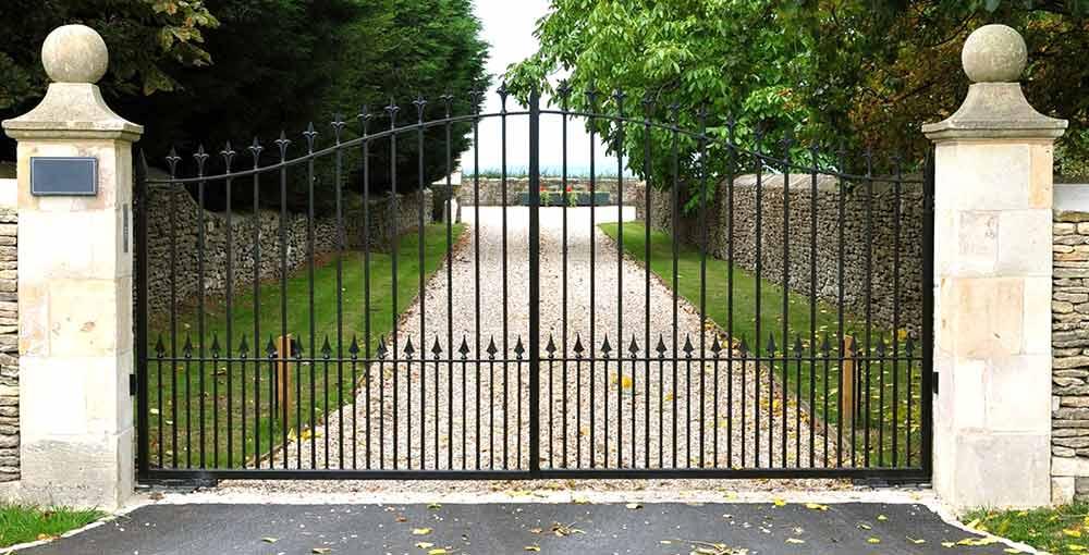 Железни портални врати